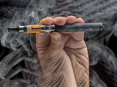 Vaping injuries caused by smoking electronic cigarette